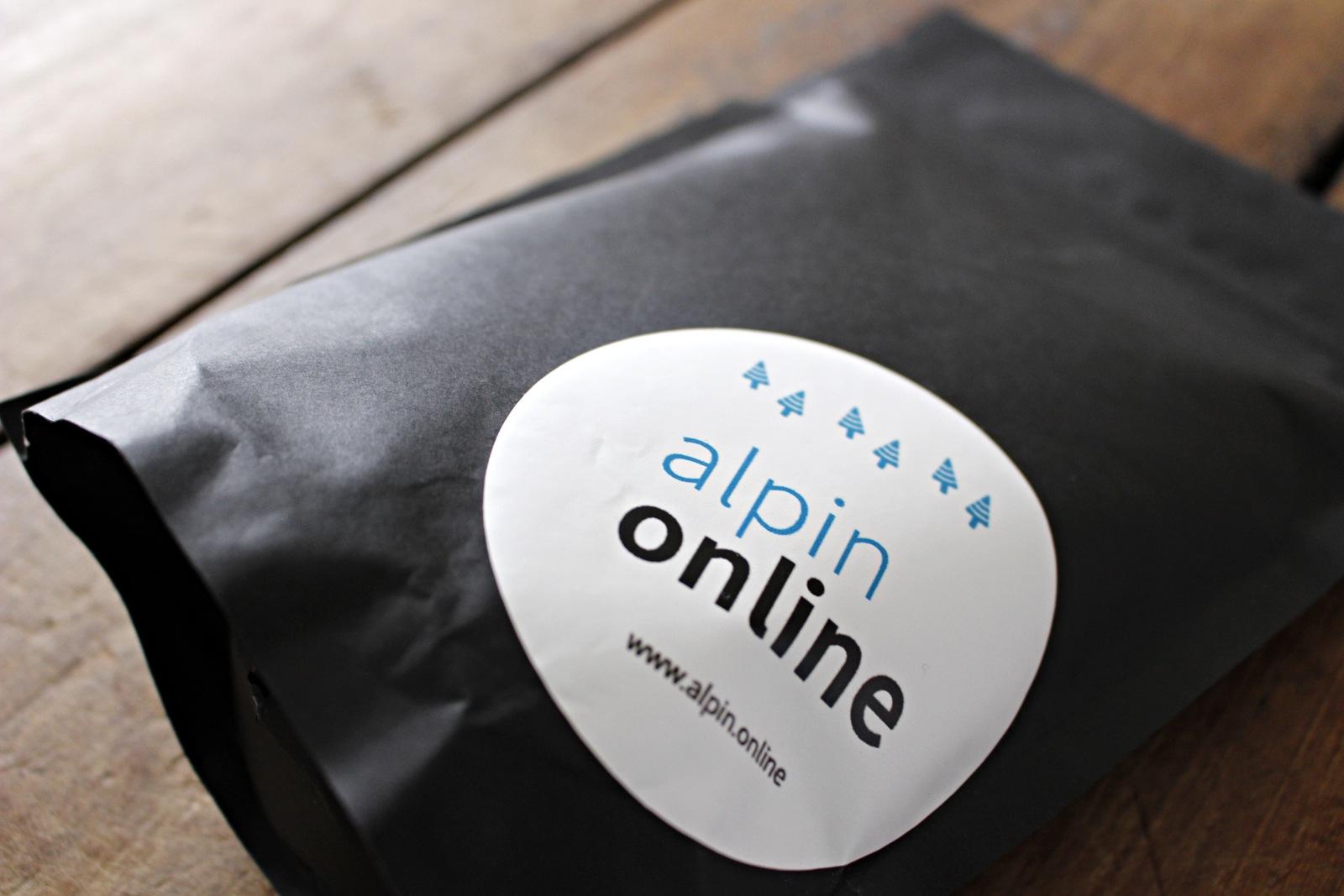 Postkarte und Sticker für alpinonline